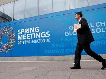 國際貨幣基金組織進一步調低今年全球經濟增長預測。