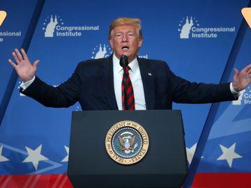 美國總統特朗普宣布,推遲向部份中國貨品徵收關稅。