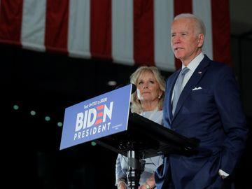 10日初美國總統大選初選結束後,拜登在密歇根州和密西西比、密蘇里的民意支持都遙遙領先於桑德斯。