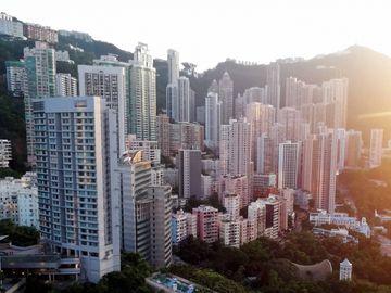 公司裁員, 單一收入, 樓價, 物價, 投資, 高風險, 第一桶金, 香港財經時報HKBT