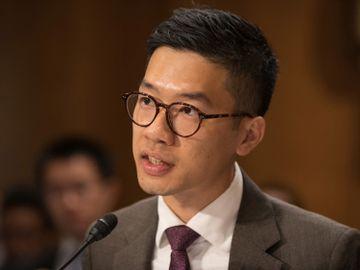 前香港眾志常委羅冠聰指自己已離開香港,會專注國際連結、民間外交工作,又認為國際戰線是「香港刻下必須要捍衛的領域」。不過基於風險評估,暫時不便透露更多資訊。