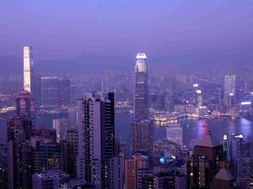 紐約期油-科指-中興-中概股-港股-美股-黃麗幗-香港財經時報HKBT