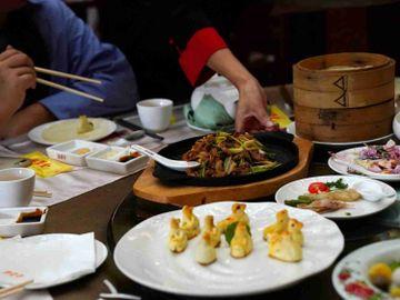 餐飲浪費, 吃播, 大胃王吃播, 無實物吃播