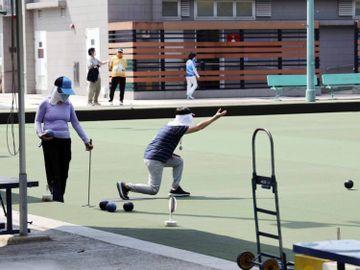 戶外運動場所, 足球場, 籃球場, 兒童遊樂設施, 康文署, 香港財經時報HKBT