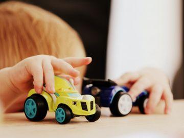 親子教育-小朋友-搗亂-獎勵-研究-自主學習-聰明-認知發展理論-香港財經時報HKBT