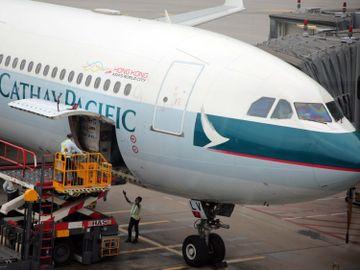 國泰航空-載客量下跌-架構重組-保就業計劃-張智威-香港財經時報HKBT