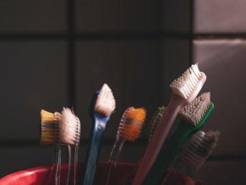 嬰兒牙刷-新手媽媽-嬰兒口腔清潔-香港財經時報HKBT