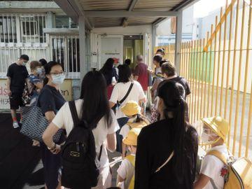 教育局-全港學校首階段復課-面授課堂-家長-社交距離-香港財經時報HKBT