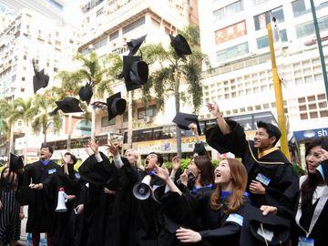 青年失業-畢業生-求職-職位空缺-旅遊業-教育業-香港財經時報HKBT