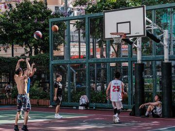 隊際運動-宗教活動-社交距離措施-放寬-人數限制-限聚令-香港財經時報HKBT