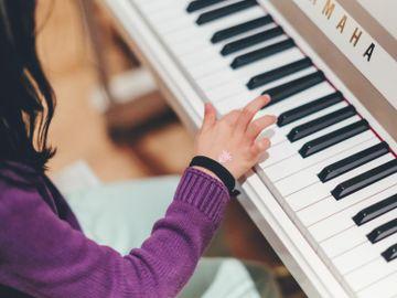英國皇家音樂學院-取消-考級試-拍片考級-指南-香港財經時報HKBT