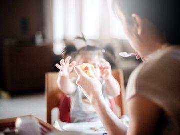 衛生署-小朋友食飯好慢-電子產品-玩具-育兒心得-香港財經時報HKBT