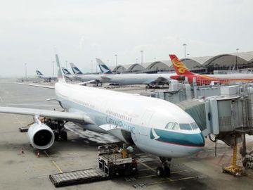 國泰航空裁員-機艙服務員-國泰港龍航空-香港財經時報HKBT