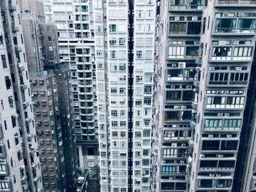 業主-租客-準時交租-空姐-機組人員-金融-裁員-鐵約盤-香港財經時報HKBT