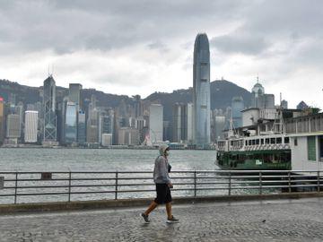 打風-熱帶風暴-天鵝-艾莎尼-三號風球-天文台-香港財經時報HKBT