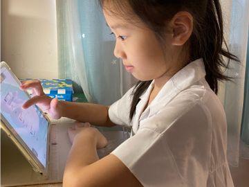 教育局-合資格學生-上網學習補充津貼-學校-800元津貼-買Wi-Fi蛋-數據卡-香港財經時報HKBT