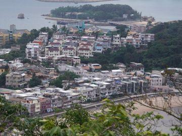 理財個案-56歲夫婦沒兒女-自住樓-車位套現-離島村屋-退休-香港財經時報HKBT