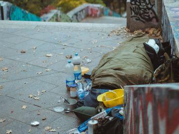 香港貧窮線-脫貧-投資回報率-聶Sir-香港財經時報HKBT