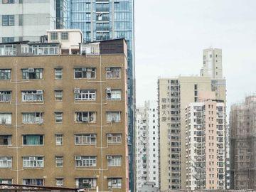 經濟不景-商廈-豪宅-成交-蝕讓-中小型樓-香港樓市-香港財經時報HKBT