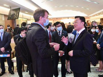 中國外交部駐港公署-打中國疫苗-科興-簽證申請-檢測證明-14天健康申報表-香港財經時報HKBT