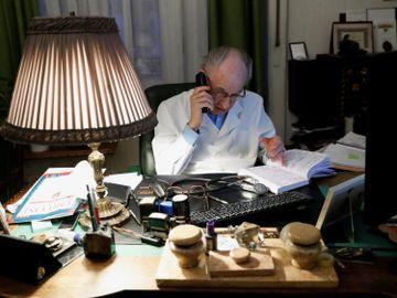 猶太人理財法-Bill Gates-Steve Jobs-理財民族-致富秘技-理財價值觀-錢罐理財法-香港財經時報HKBT