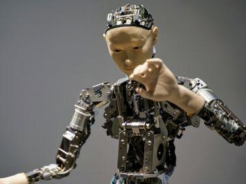 AI-人工智能-人類-藥物研發-監測-評估-抗衰老延壽-健康-香港財經時報HKBT