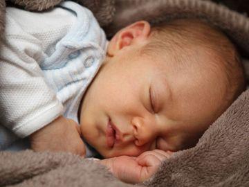 嬰兒護膚-每天洗澡-天然-護膚品-不致敏-不刺激-香港財經時報HKBT