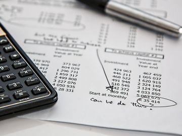 保費融資懶人包2021-保單-做按揭-貸款成數-利息-行政費-好處-香港財經時報HKBT