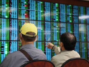 投資入門-賺錢-買股票-回報-正確方法-龔成-香港財經時報HKBT