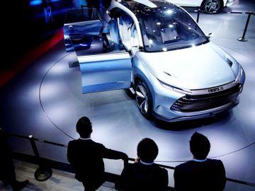 比亞迪與小米洽談造車合作-1211先升回後-趁調整入市新目標價262元攻略-藍籌股2021-鄧聲興
