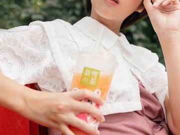 新股ipo-茶飲第一股-奈雪的茶抽唔抽-入場費近1萬元-平均單店日銷售額-同店利潤率急跌-香港財經時報HKBT