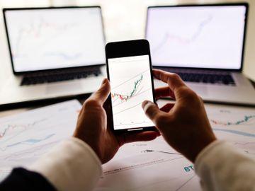 投資入門-預測市盈率-股價-平--股票-PE-龔成-香港財經時報HKBT