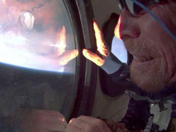 維珍銀河-布蘭森-英國億萬富豪-太空船升空-閱讀障礙症-BlueOrigin-貝索斯