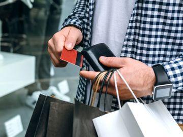 調查-不綁定信用卡-分期付款購物-產品-香港財經時報HKBT