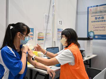 政府宣傳-疫苗-接種率-谷針-柏傲莊III-香港財經時報HKBT
