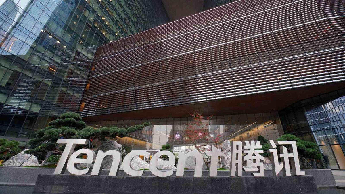 騰訊控股2021, 官媒批評網遊, 精神鴉片, 700股價單日跌一成, 騰訊, 推7措施補鑊, 香港財經時報, HKBT