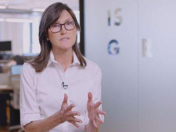 科技女股神, cathiewood, 中概股維持低估值, 瞄準創新行業, 香港財經時報HKBT