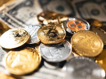 加密貨幣, 14歳及9歳兄妹自學挖礦, 專玩3種加密貨幣, 月入超過30000美元, HKBT, 香港財經時報