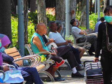 長壽, 香港, 全球最長命, 吸煙率, 有錢人, 食物, 日本人, 平均年齡, HKBT, 香港財經時報