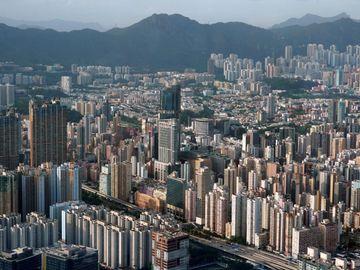 地產股, 長和, 全購青衣聯合船塢, 複製黃埔花園, 聶Sir跌市部署, HKBT, 香港財經時報