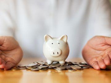 港元定期, 股災, 轉倉港元定期避險, 6間銀行格價, 7日短存年息5厘