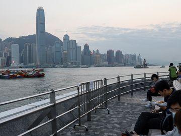 港商要響應, 共同富裕, 買本地地產股恐賺息蝕價, 轉吼6大新經濟股, 息率最高23厘