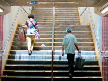 退休生活, 調查, 流動資產少於50萬元, 驚儲蓄唔夠未來醫療開支, 香港財經時報
