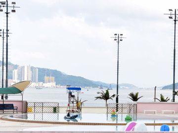 康文署泳灘, 泳池技工, 頂薪, 小六, 視力, 公務員, 香港財經時報