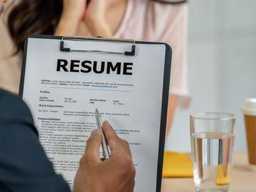 見工履歷被掃描軟件篩走, 同時申請幾份工隨時被dq, 附4個執cv貼士, 香港財經時報