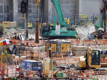公營建築工程地盤工友平均工資, 日薪, 建築工種人工對照表, 香港財經時報