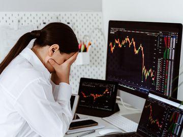 散戶投資勝算特別低-經常高買低賣-輸多贏少-剖析散戶輸錢之謎-必知2個投資關鍵